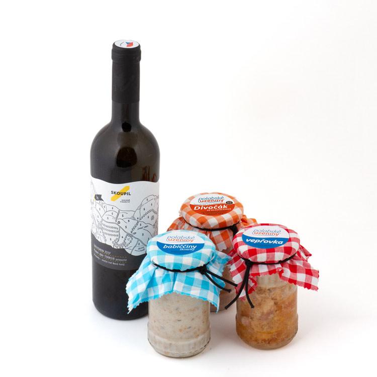 Dárkový set vína, divočáka, vepřovky a škvarků v reprezentativní papírové kazetě